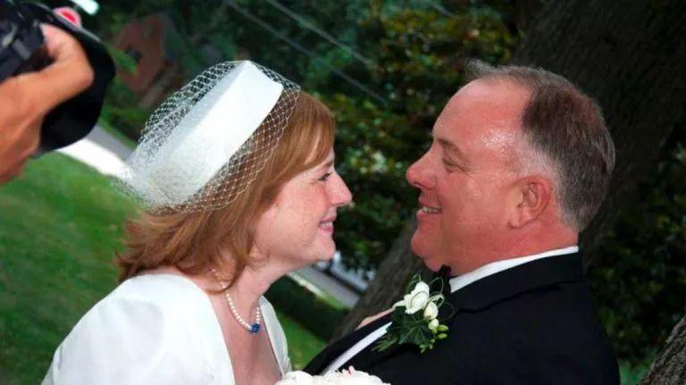 """""""结婚4年了,我还是忘不了初恋""""丨初恋对一个人最深的意义是什么?"""